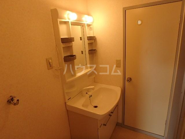 パルクレール 305号室の洗面所