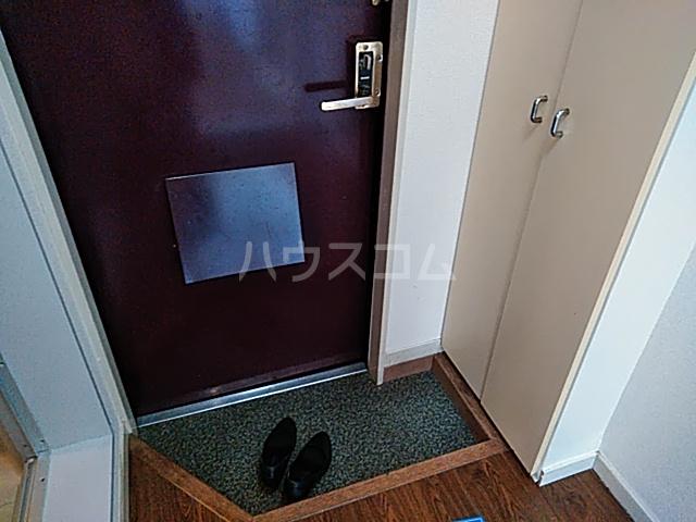 グランプラス桜 206号室の玄関