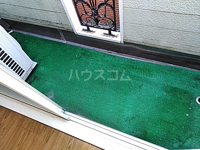 グランプラス桜 206号室のバルコニー