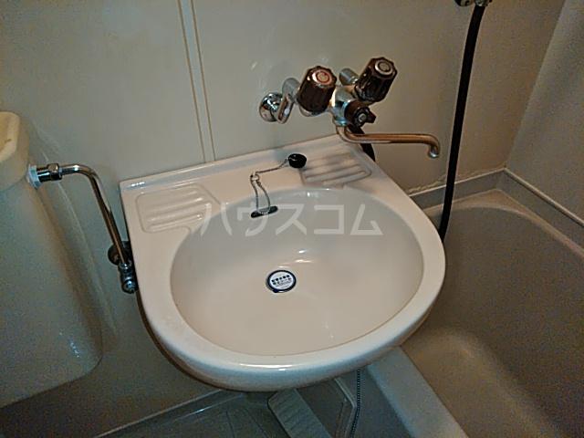 グランプラス桜 206号室の洗面所