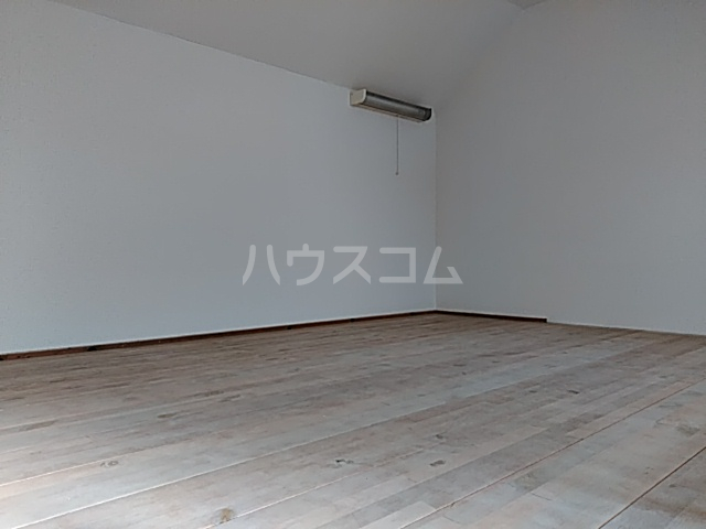 グランプラス桜 206号室のベッドルーム