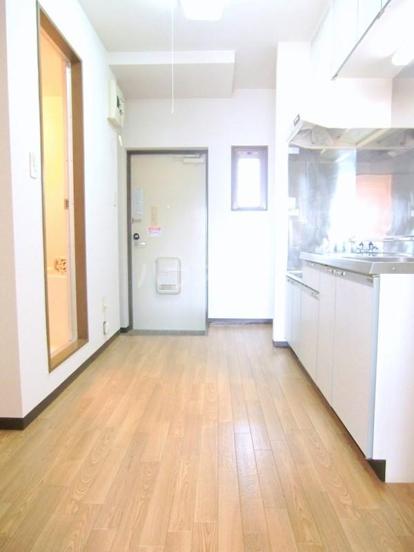 ハイライズ細島Ⅱ 105号室の玄関