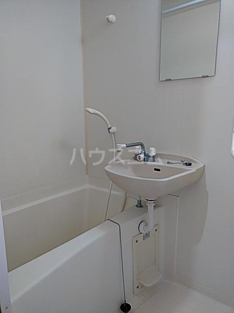 メゾン内方 308号室の風呂