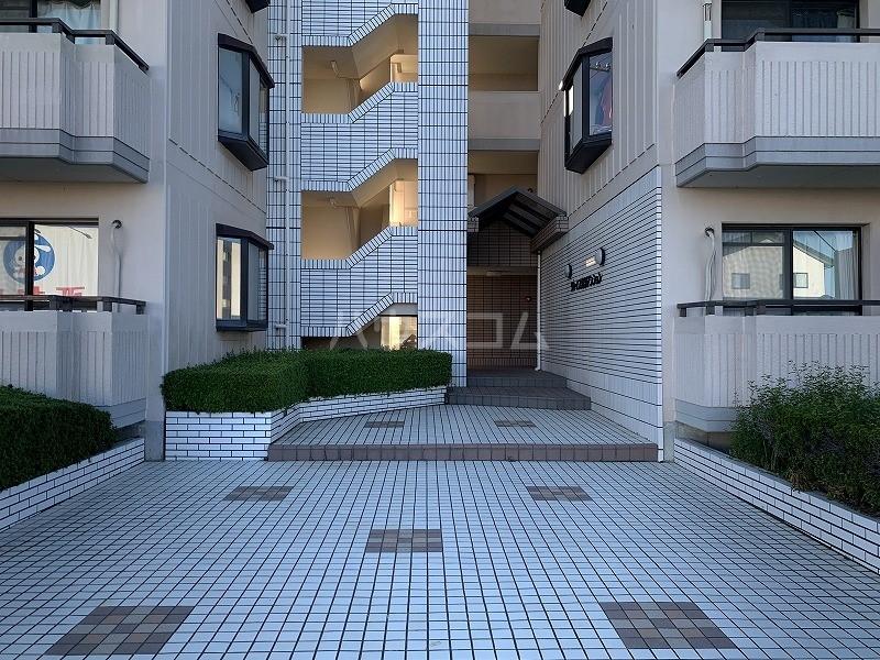 グレイス第3マンション 302号室のエントランス
