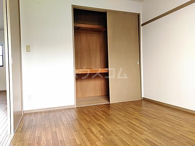グリーンヒルズ E 203号室の収納