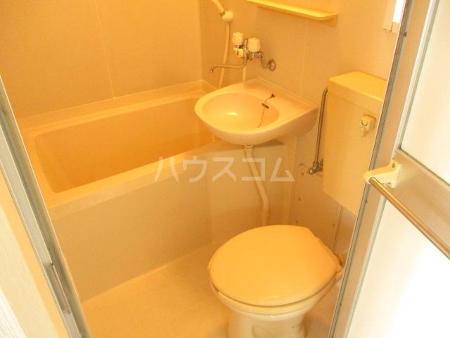 グリーンハウス 201号室の風呂