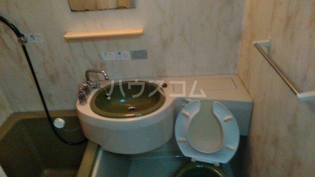 キトウハイツ 201号室のトイレ