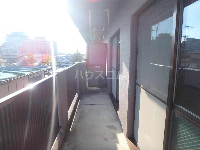 ラ・セフィーロⅦ 303号室のバルコニー
