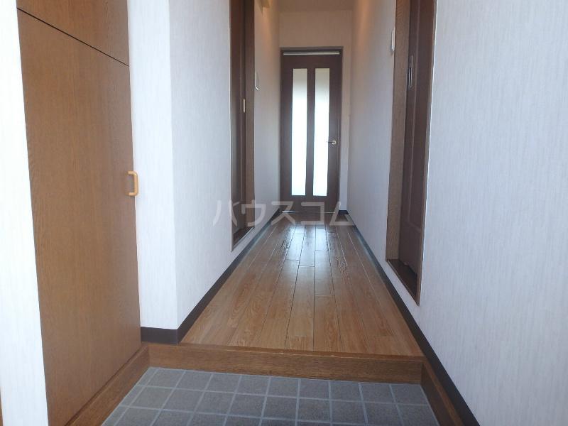 ラ・セフィーロⅦ 303号室の玄関