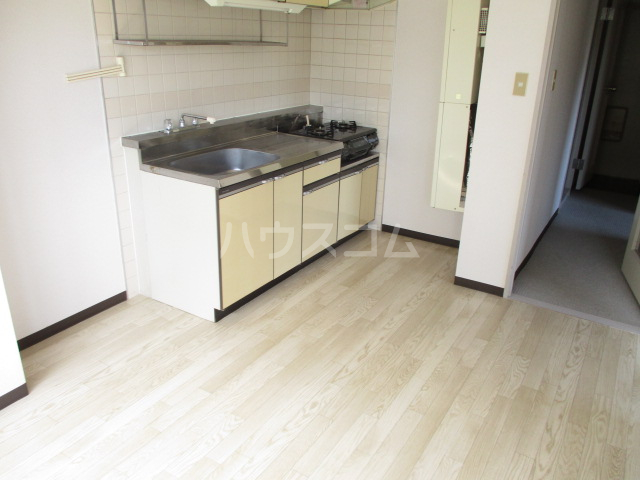 道場北マンション 203号室のキッチン