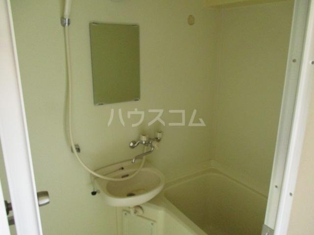 道場北マンション 203号室の洗面所