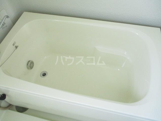 第一みつわ台ハイツ 502号室の風呂