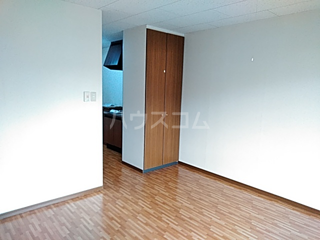 クリエイトダイアナⅡ 2A号室のリビング