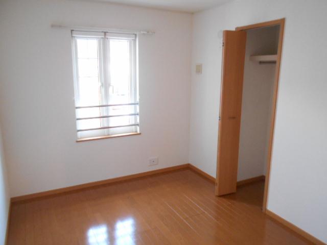めぞん アルモニー 02020号室の居室