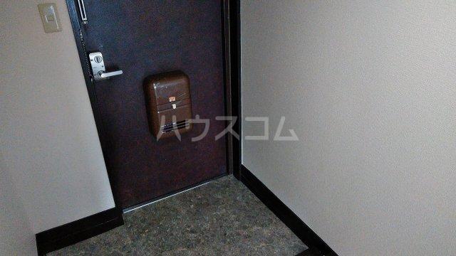 グランドステージNAKANO 402号室の玄関
