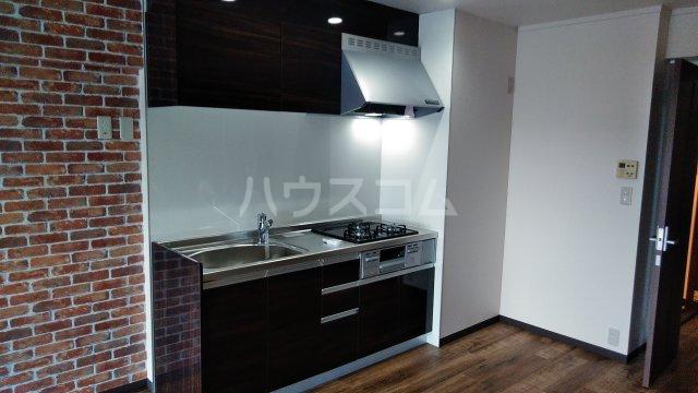 グランドステージNAKANO 402号室のキッチン