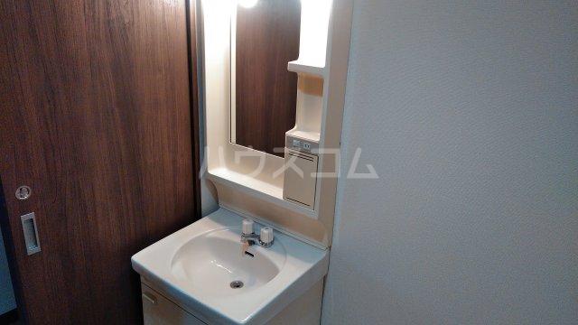 グランドステージNAKANO 402号室の洗面所
