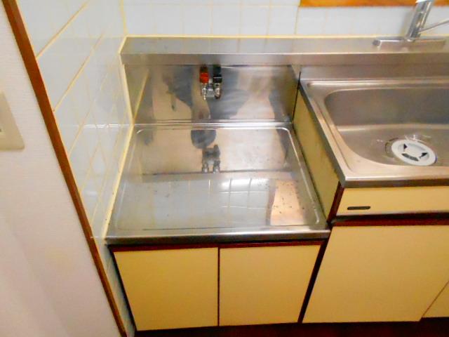 ラ・ポルト93 402号室のキッチン