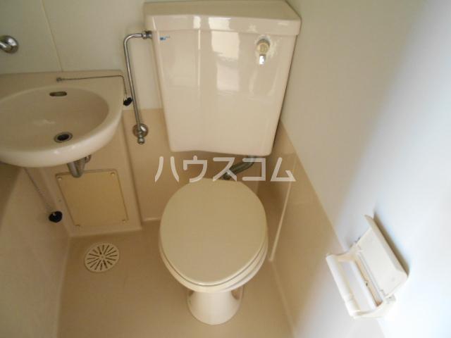 刈谷マンション 302号室のトイレ