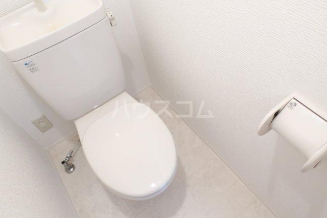 ボンハウス 403号室のトイレ