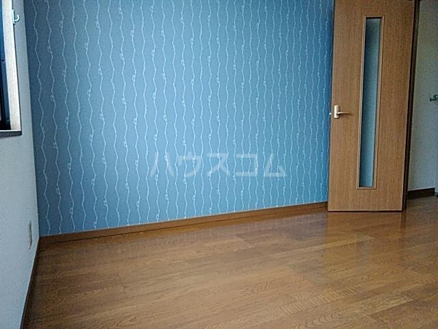 エッセンビル 403号室のリビング