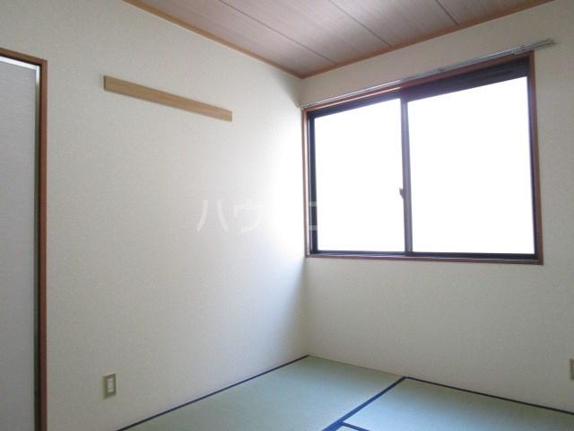 セジュール・ヴィルA 101号室の居室