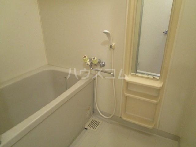 セジュール・ヴィルA 101号室の風呂