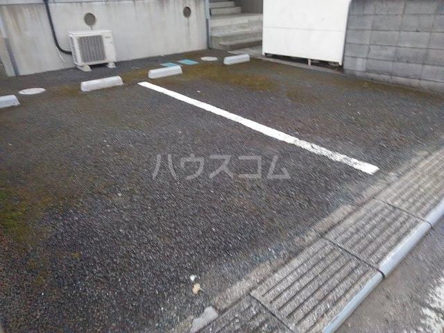 エンゼルコーポ森 201号室の駐車場