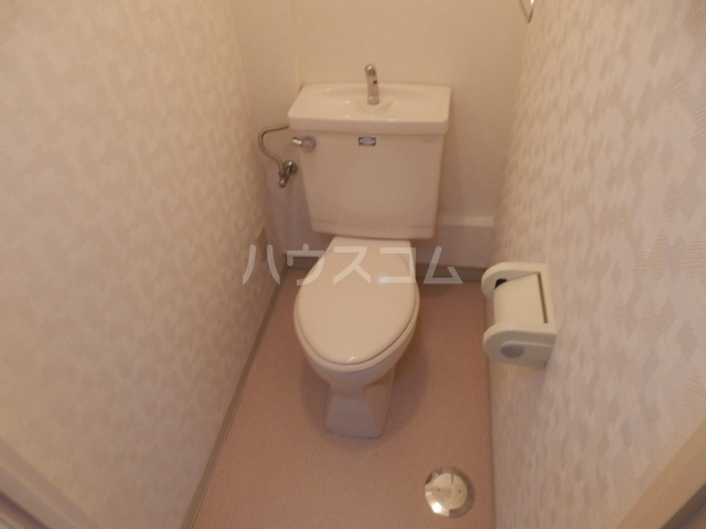 シャトーレ滝ノ水 2D号室のトイレ