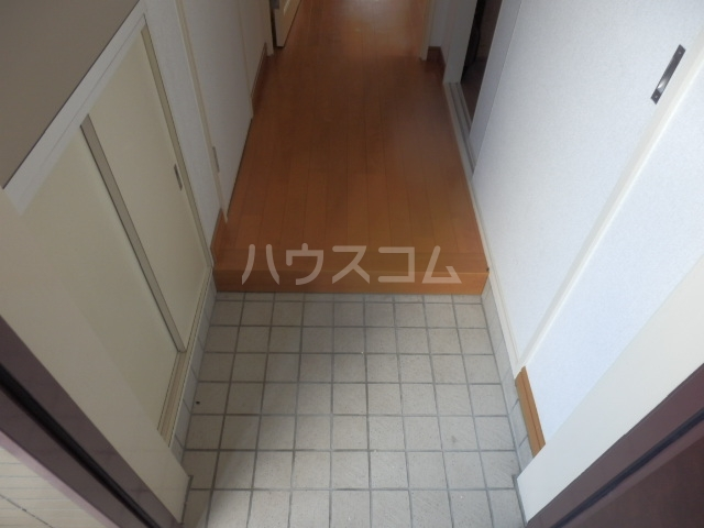 シャトーレ滝ノ水 2D号室の玄関