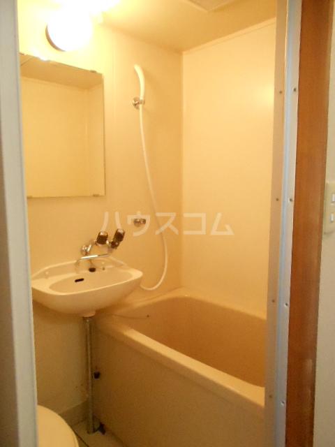 スチューデントハイツ伝馬 602号室の風呂