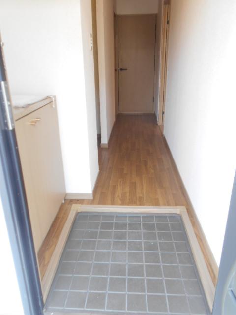 ステラベル 201号室の玄関