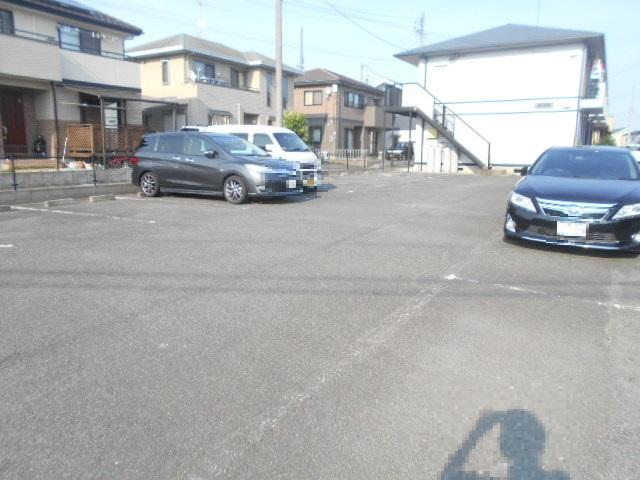 ステラベル 201号室の駐車場