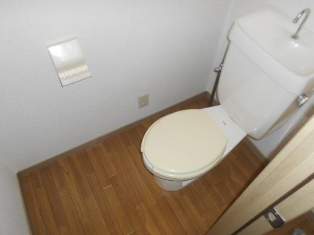 ステラベル 201号室のトイレ