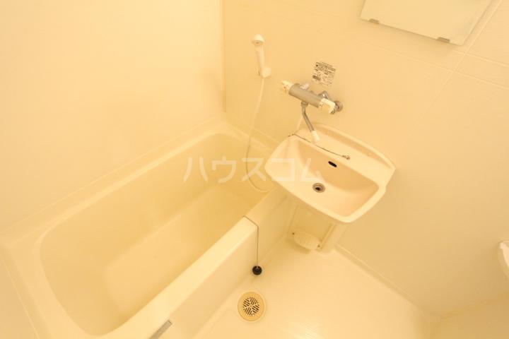 すまいるKATO 103号室の風呂