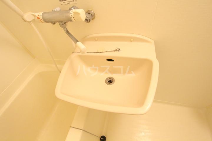 すまいるKATO 103号室の洗面所