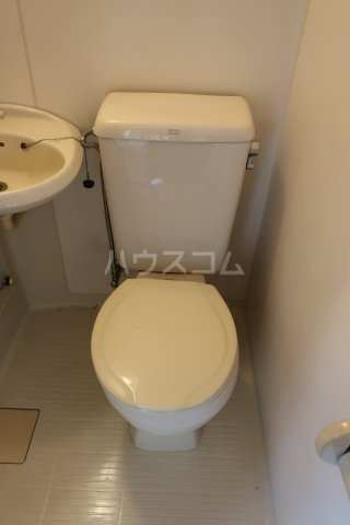 第2アベニュー日比野 2C号室のトイレ