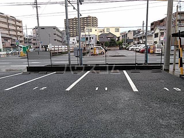 ソルトシティ浜松 501号室の駐車場