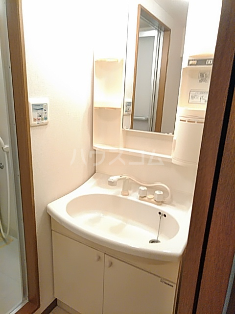 ソルトシティ浜松 501号室の洗面所