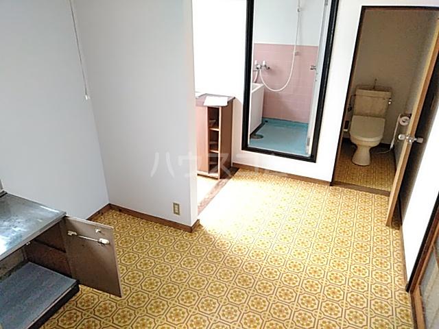 第1中谷コーポ 205号室の居室