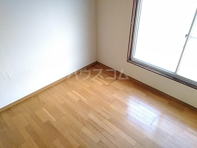 第2中谷コーポ 402号室のベッドルーム