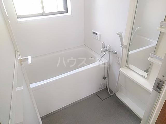 南生実町貸家の風呂