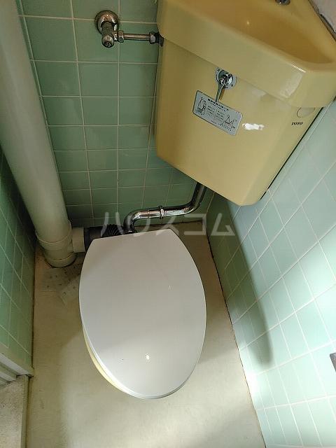 富善ビル 305号室のトイレ