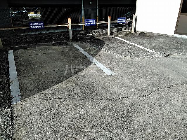 富善ビル 305号室の駐車場