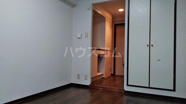 ドール大堀 215号室のリビング