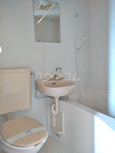 ディユラヴィーヌ 301号室の風呂