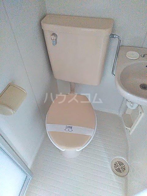 ディユラヴィーヌ 301号室のトイレ