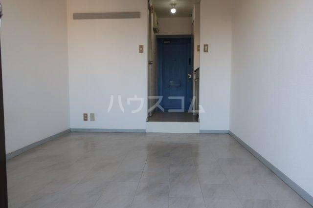 ドール薬師通 201号室の洗面所