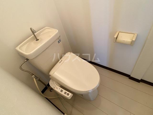 ユーロアベニュー四街道 A-101号室のトイレ