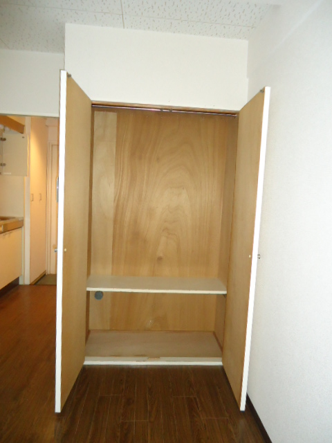 アーバンハイツNY 302号室の収納